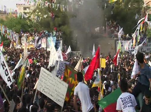 HDP mitinginde patlama