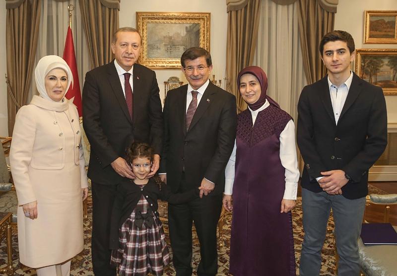 Davutoğlu ailesi, Erdoğan ailesini ağırladı