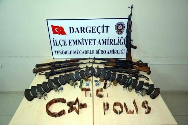 Dargeçit'te PKK'nın silahları ele geçirildi