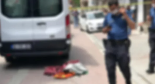 3 Yaşındaki çocuk aracın altında kaldı öldü
