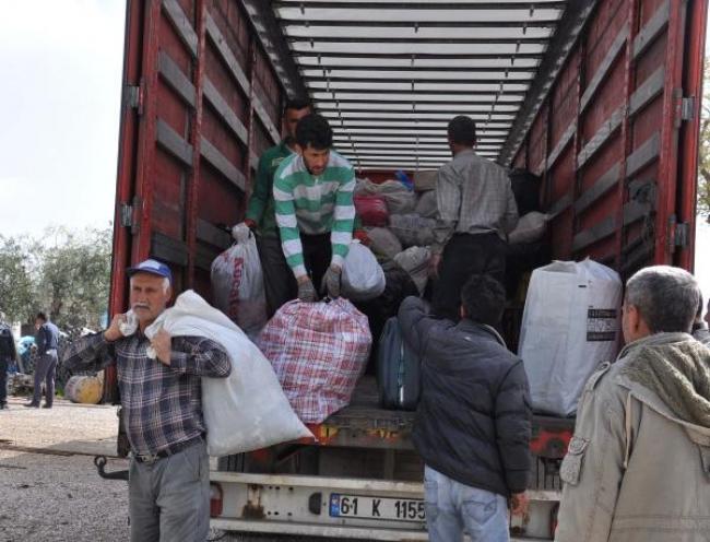 Afyon'dan gönderilen yardımlar İslahiye'deki Suriyelilere ulaştırıldı