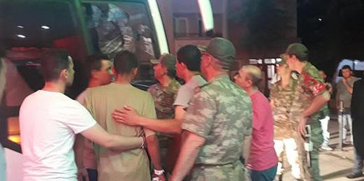 Amasya'da 81 asker hastanelik oldu