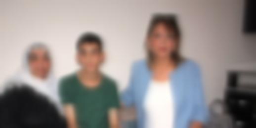 Arzu öğretmen, açlıktan bayılarak kolunu kıran öğrencisinin evini yeniledi