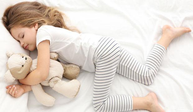 Çocuklarda Uyku Düzensizliği Obeziteye Yol Açıyor