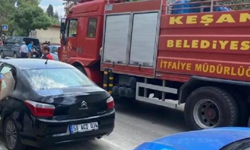 Edirne'de içi dezenfektan dolu araç yandı
