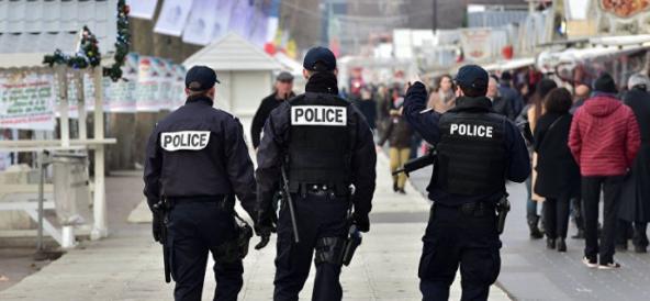 Fransa'da terörü övmek suçu