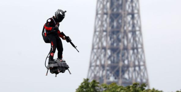 Fransa'nın 'uçan askeri'