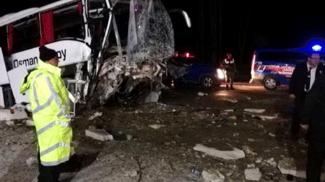 Gece yarısı feci kaza