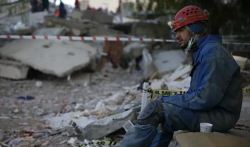İzmir depreminde hayatını kaybedenlerin sayısı 91 oldu
