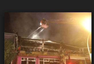 Kafede çıkan yangını böyle izlediler