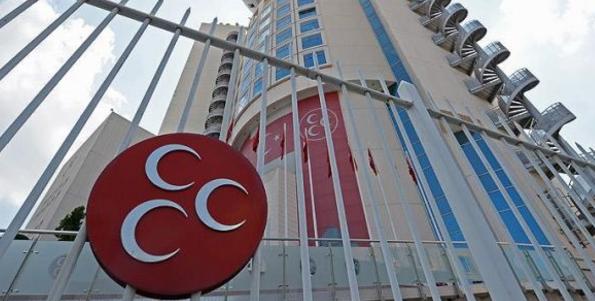 MHP'de 50 kişi istifa etti