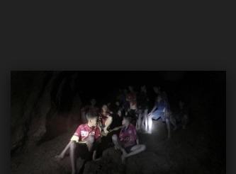 Tayland'da mağarada mahsur kalan çocuklar