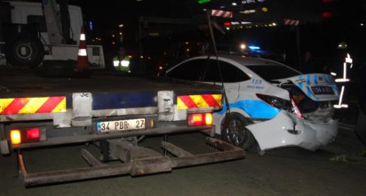 Zincirleme kazada polis aracı da vardı