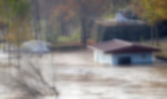 Baraj kapağı koptu, sel uyarısı geldi