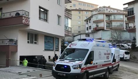 Binanın garajında 3 gencin cesedi bulundu