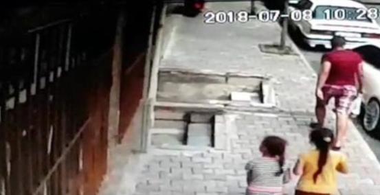 Çocukların çığlıklarını duyan mahalleli yardıma koştu