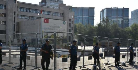 Diyarbakır, Van ve Mardin Belediye Başkanları görevden uzaklaştırıldı