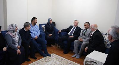 15 Temmuz Gazisi'ni Erdoğan ziyaret etti