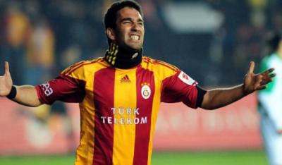 Arda Turan tekrardan Galatasaray'a katıldı