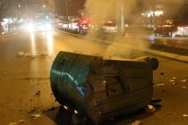 Kosova'da muhaliflerin protesto gösterisinde polis zor anlar yaşadı
