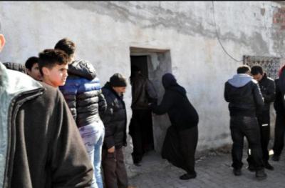 Eşini döve döve bayıltan Suriyeli