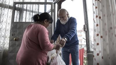 Hayatını Yoksullara Adamakla Geçirdi !