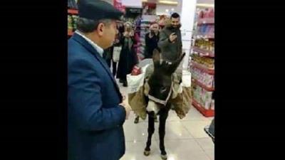 Niğde'de markete eşeğiyle giren adam ifade verdi