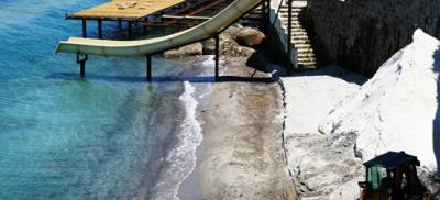 Sahile beyaz kum dökmeye çalışan 2 otele ceza kesildi