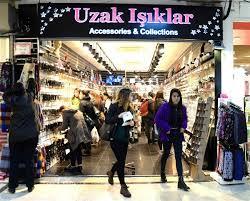 Uzak Işıklar Bijuteri Mağazası Olarak, Biz Kimiz